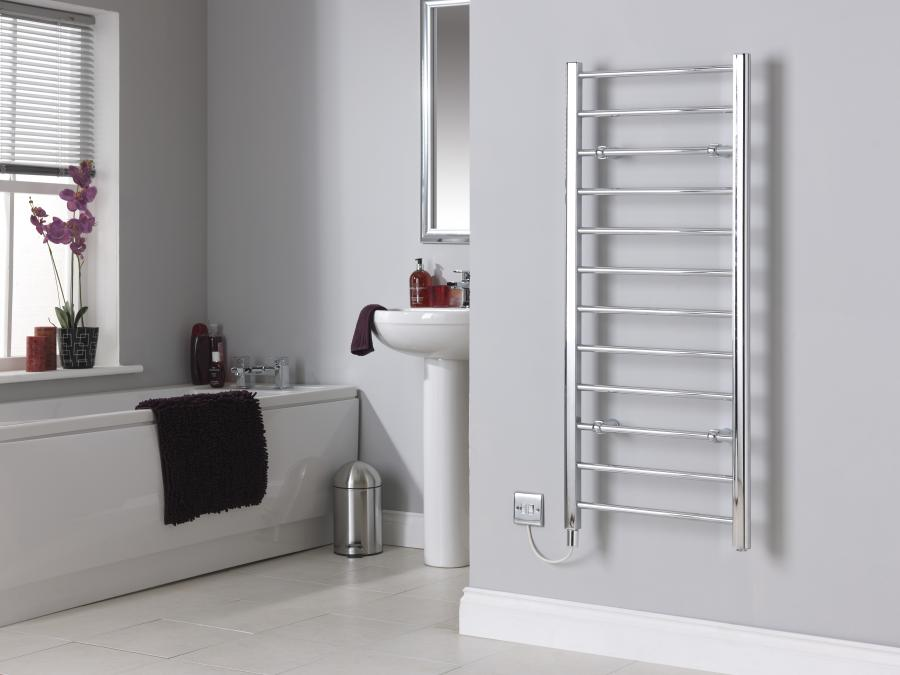 CLR12C Chrome Towel Rail No Towels Room Shot.jpg