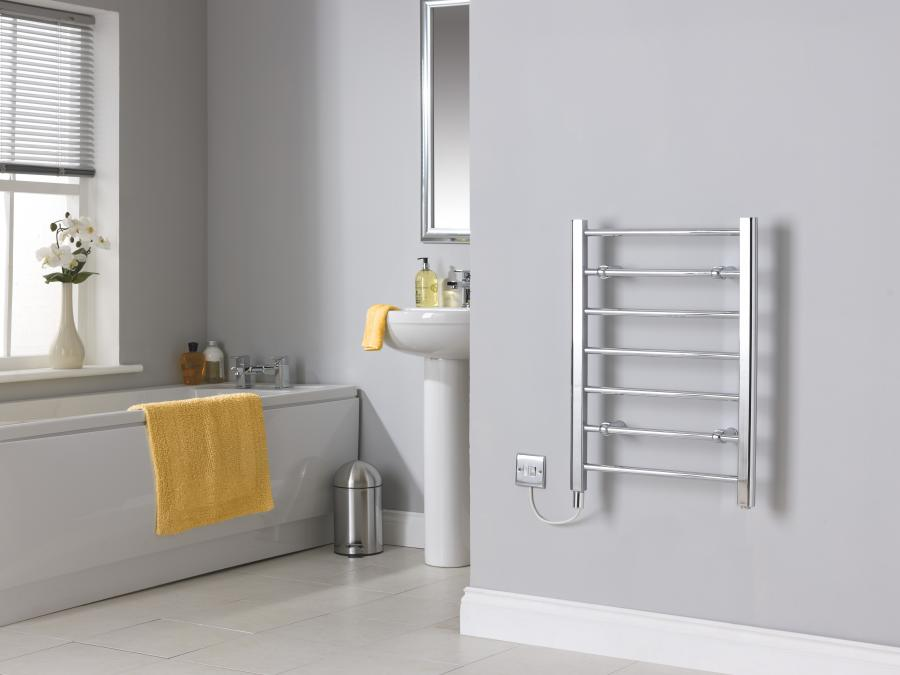 CLR7C Chrome Towel Rail No Towels Room Shot.jpg